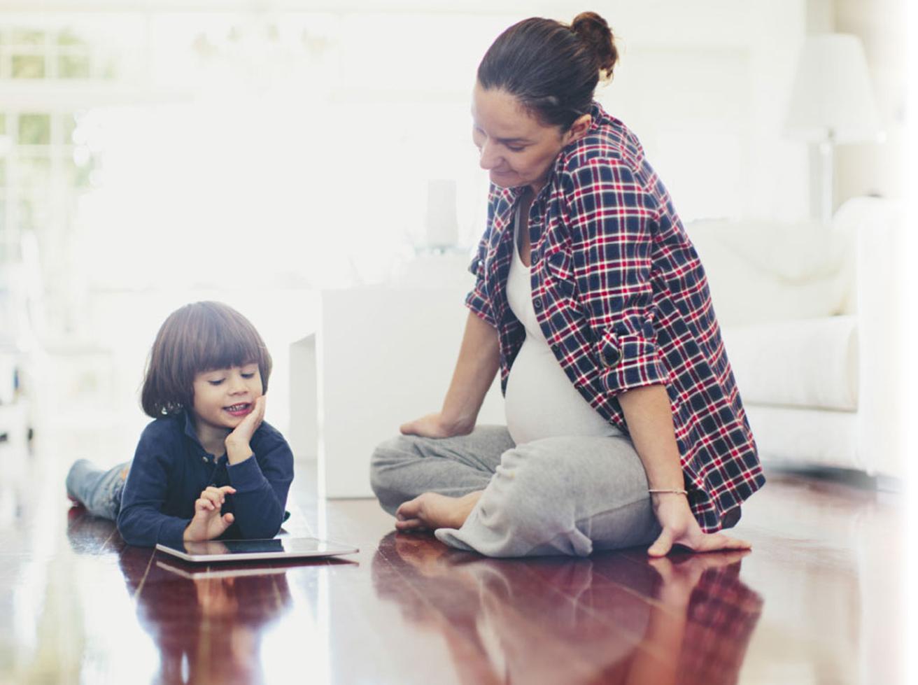 Familie plant zentrale Staubsaugeranlage